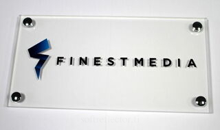 Finestmedia mainoskyltti