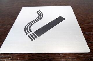 Kaiverrettu tupakointikyltti